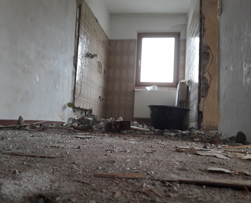 Badezimmerwand abgerissen