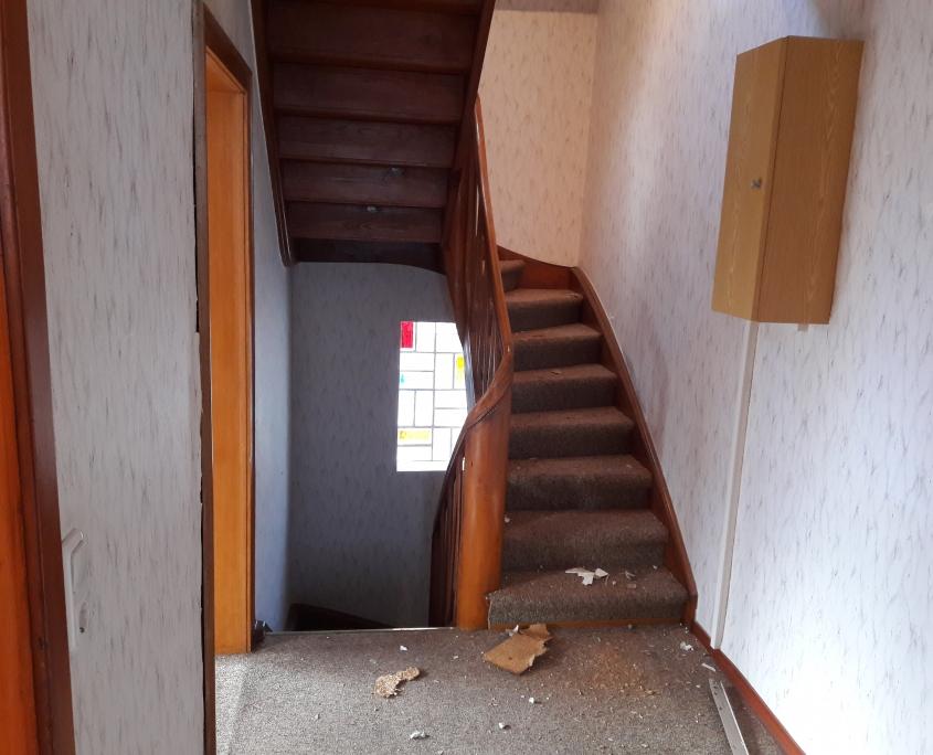 Flur Holztreppe Teppich
